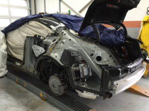 Rimozione parafango posteriore sinistro per la sostituzione - Mercedes classe S